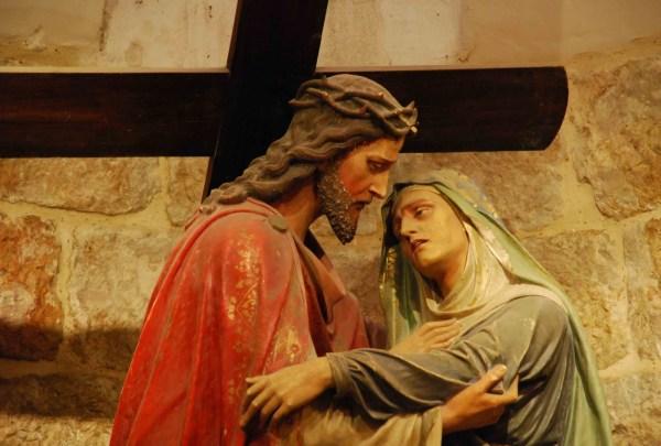 04 Estacao - Jesus encontra sua Mãe Santíssima